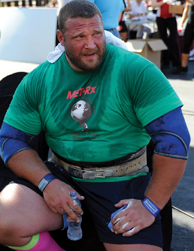 Terry Hollands with his trusty Strong-Enough Lifting Straps. Randall Strossen photo.