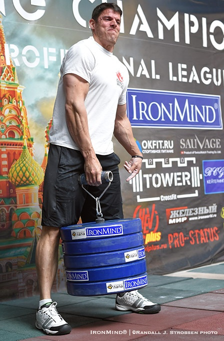 Eric Roussin, shown winning the Rolling Thunder in the 90-kg class at the 2016 APL Armlifting World Championships, is the defending overal, grip champion at the Chicago FitExpo. IronMind® | ©Randall J. Strossen photo