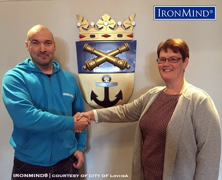 In the photo Loviisa´s chief Kristina Lönnfors and WHEA Chairman Jyrki Rantanen sealing the deal at Loviisa city hall. IronMind® |  Courtesy of the city of Loviisa