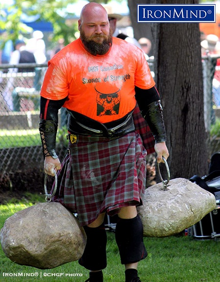 Brian Pennell on his way to victory in a hard-fought Dinnie Stones Walk at the 2018 IHGF Canadian Stones of Strength Championships. IronMind® | ©CHGF photo
