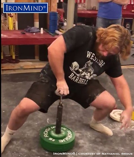 John McCarter sets up before launching 43.8 kg for a new world record on the IronMind Hub at Nate Brous's 4ForFeb grip contest on February 26, 2018. IronMind® | Photo courtesy of Nate Brous