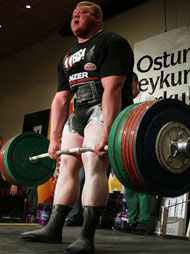 Benedikt Magnusson gives 425 kg a mighty ride at the Icelandic Powerlifting Championships yesterday. IronMind® | Photo by Johannes Eriksson, courtesy of Hjalti Arnason.