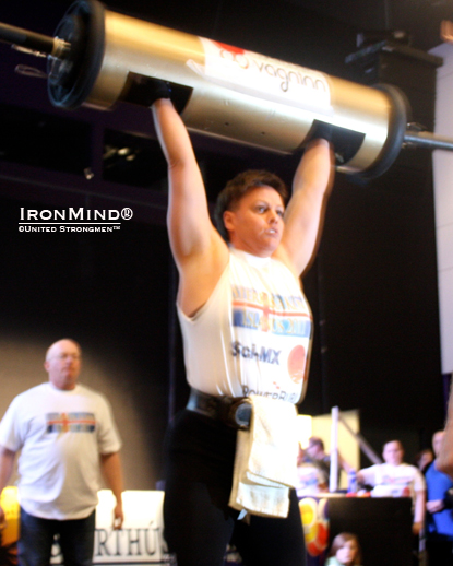 Bryndís Ólafsdóttir dominating the log at the 2011 Iceland's Strongest Woman contest.  IronMind® | Photo courtesy of United Strongmen™.