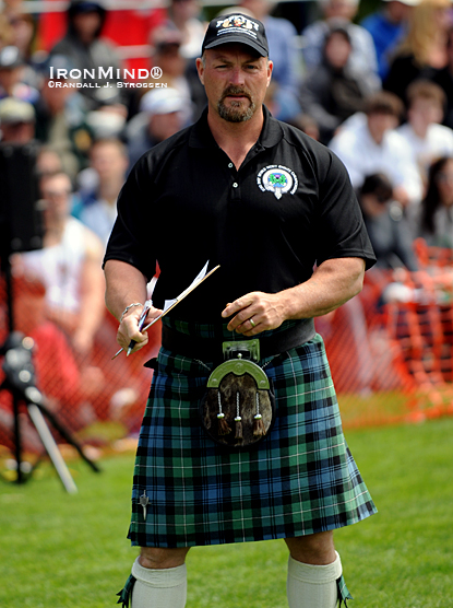 IHGF vice president Francis Brebner on task and on the field at the 2010 International Highland Games Federation World Championships (Victoria, British Columbia, Canada).  IronMind® | Randall J. Strossen photo.