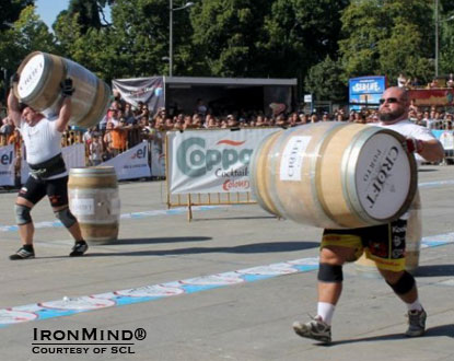 Jarno Hams (left) and Warrick Brant in the Wine Barrel Race.  IronMind® | Courtesy of SCL.