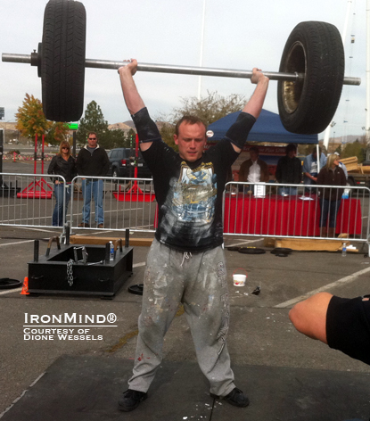 Jeff Peterson on the IronMind Axle clean and press for reps at the NAS nationals.  IronMind® | Photo courtesy of Dione Wessels.