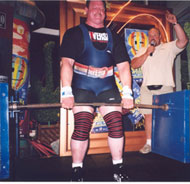 Ken Brown pulled a world record 500-kg silver dollar deadlift at the 2005 Gatineau (Quebec) Balloon Festival. IronMind® | Photo courtesy of Ken Brown.