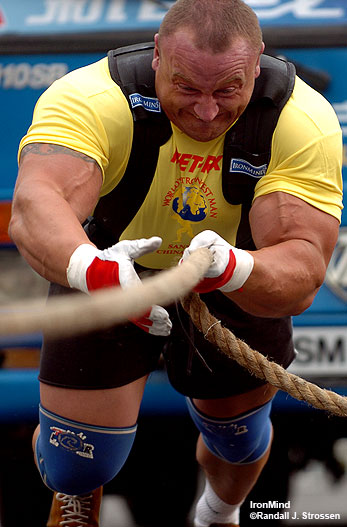 On the ropes: Mariusz Pudzianowski produced a sensational effort in the Bus Pull, but in the end, he couldn't match Phil Pfister's performance. IronMind® | Randall J. Strossen, Ph.D. photo.