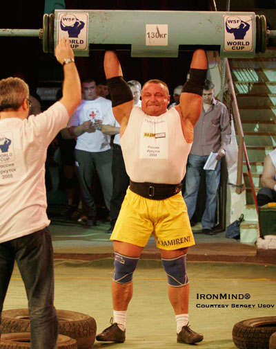 Mariusz Pudzianowski, on his way to winning the first stage of the WSF World. IronMind® | Photo courtesy of contest organizer Sergey Usov.
