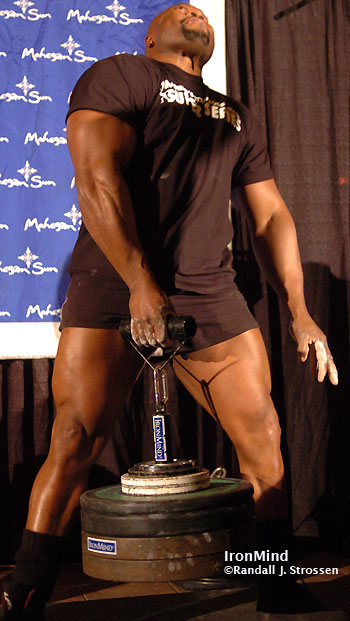 Mark Felix hauls up 301 pounds on the Rolling Thunder® at the Mohegan Sun in 2008. Could he go on to do even more on May 16? Be at the Mohegan Sun next weekend to find out. IronMind® | Randall J. Strossen photo.