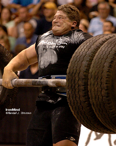 Mark Philippi makes it happen on the Apollon's Axle™ at the 2006 Mohegan Sun Grand Prix. Mark will be back this year - he's another top World's Strongest Man competitor you will see, and be able to meet, at the Mohegan Sun on April 22. IronMind® | Randall J. Strossen, Ph.D. photo.