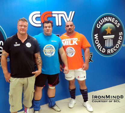 arno Hams broke the Guinness world record in the bus pull in Beijing.  IronMind® | Courtesy of SCL.
