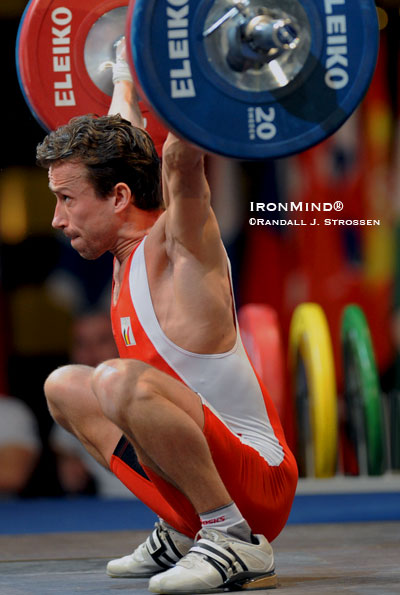 Tom Goegebuer hits the hole with this 115-kg gold medal snatch at the European Weightlifting Championships. IronMind® | Randall J. Strossen photo.